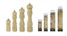 586017/ WOODEN PEPPER MILL  17 CM.